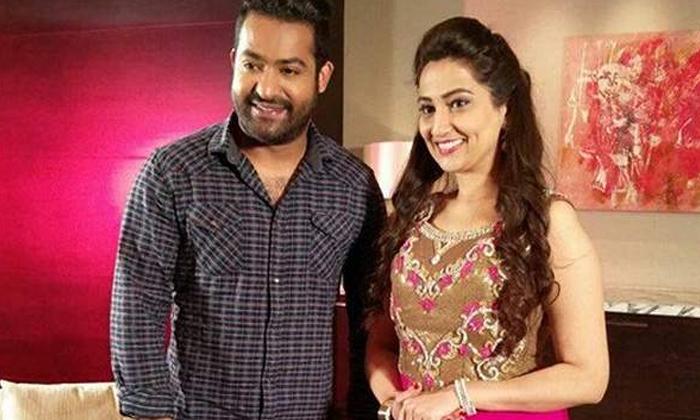 Manjusha Glamorous Pics Viral-వామ్మో.. ఎన్టీఆర్ చెల్లి అందం మాములుగా లేదుగా-Latest News - Telugu-Telugu Tollywood Photo Image-TeluguStop.com