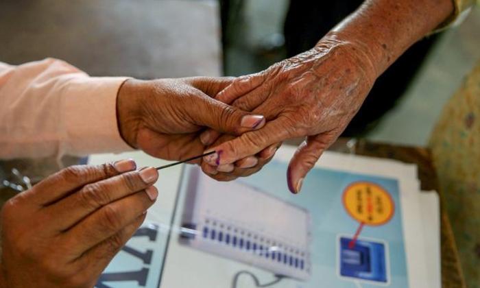Election Results In Minister Gummanur Jayaram Constituency-ఆ మంత్రి గారి నియోజకవర్గంలో టీడీపీ పాగా.. ఏపీలో కొత్త ట్విస్ట్.. -Breaking/Featured News Slide-Telugu Tollywood Photo Image-TeluguStop.com