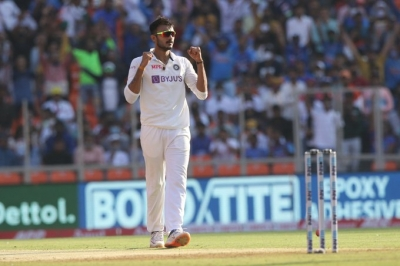 Patel Fills Jadeja's Shoes By Sticking To His Strengths-TeluguStop.com