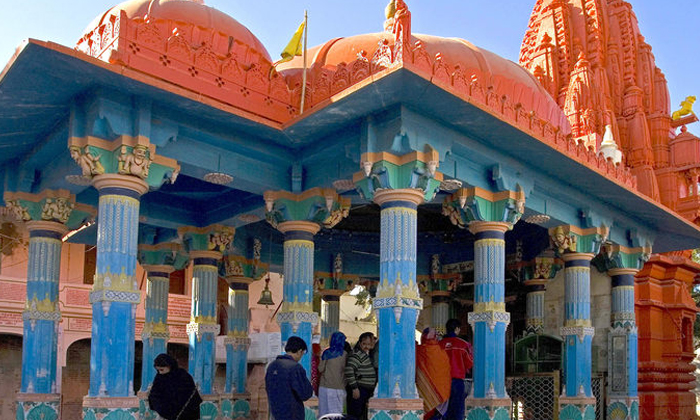 The Brahma Temple Is Inaccessible To Men-TeluguStop.com