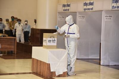Shivraj Govt On The Alert As Covid Fears Rise In Mp-TeluguStop.com
