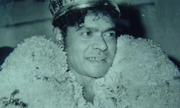 Comedian Rajababu Look For Light Man Entire His Life-కన్నుమూసి వరకు రాజబాబు వెతికిన ఆ లైట్ మ్యాన్ ఎవరు..-Latest News - Telugu-Telugu Tollywood Photo Image-TeluguStop.com