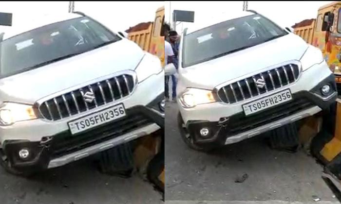 Vanasthalipuram Terrible Road Accident-వనస్థలిపురం వద్ద భారీ రోడ్డు ప్రమాదం..-General-Telugu-Telugu Tollywood Photo Image-TeluguStop.com