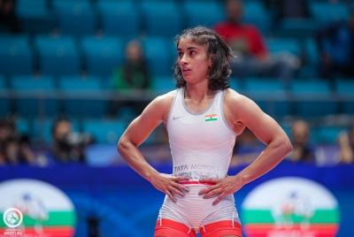 Vinesh Phogat Wins Gold In 53kg Freestyle-TeluguStop.com