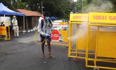 521 New Covid Cases Spike Again In Karnataka-TeluguStop.com