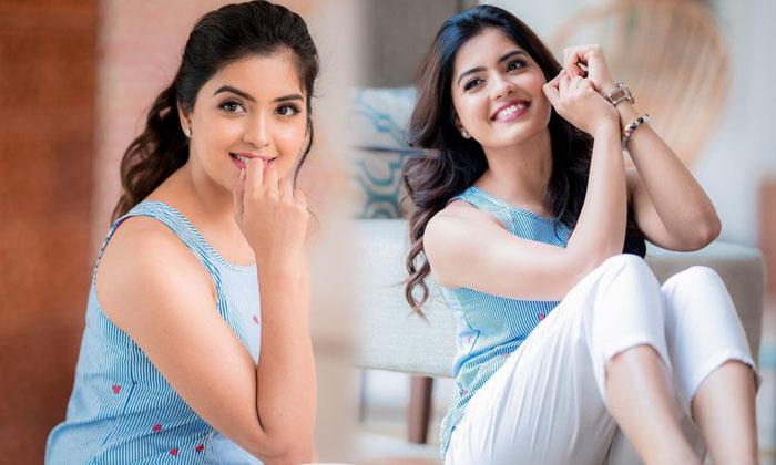Actress Amritha Aiyer Latest Hd Images-telugu Actress Hot Photos Actress Amritha Aiyer Latest Hd Images - Telugu 30 Roju High Resolution Photo