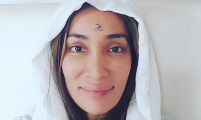Telugu Barkha Madan, Bollywood Star Heroines, Heroines, Manisha Koirala, Nun, Nuns, Suchitra Sen, Well Known Actresses Who Became Nuns In Real Life-Telugu Stop Exclusive Top Stories