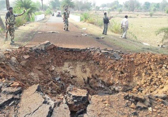 Jawan Killed In Landmine Blast-మందుపాతర పేలడంతో జవాన్ మృతి..-General-Telugu-Telugu Tollywood Photo Image-TeluguStop.com