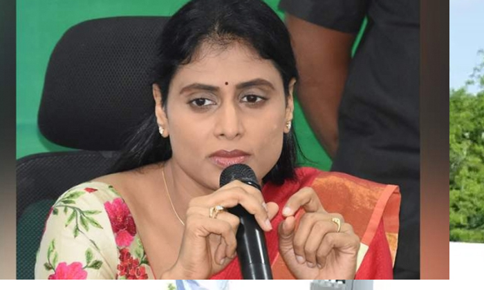 Should Sharmila Start Her Political Career With A Scathing Critique Of-కేసీఆర్ పై ఘాటు విమర్శలతోనే షర్మిల తన రాజకీయ ప్రస్థానాన్ని మొదలుపెట్టనుందా-Latest News - Telugu-Telugu Tollywood Photo Image-TeluguStop.com