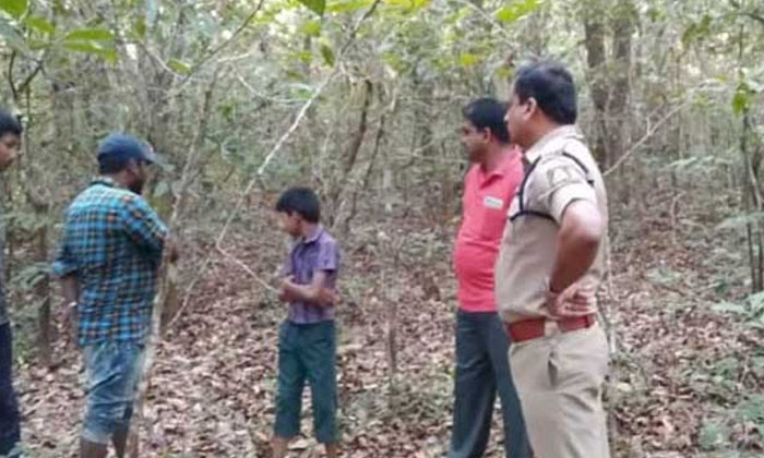 Student Kidnapped Drama Play Shocked By Police-TeluguStop.com