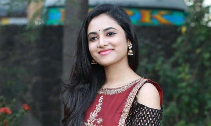 Priyanka Arul Got Chance To Romance With Mahesh Babu-TeluguStop.com