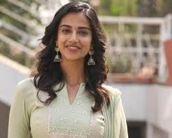 Raviteja Starrer Khiladi Movie Heroine Meenakshi Chaudhary Roped In Hit 2.-TeluguStop.com
