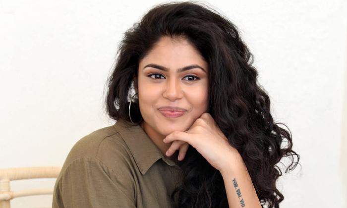 Raviteja Recommends Faria Abdullah For His Next Movie-TeluguStop.com