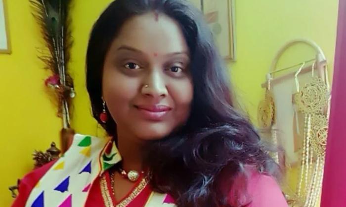 Telugu Mogalirekulu, Puri Jagannadh First Heroine Shruti Turns Grandma, Ruthuragalu Serial Actress, Shruthi, Tv Serial Actress Shruti Real Life, Unknown Facts About Actress Shruti Singampalli-Telugu Stop Exclusive Top Stories