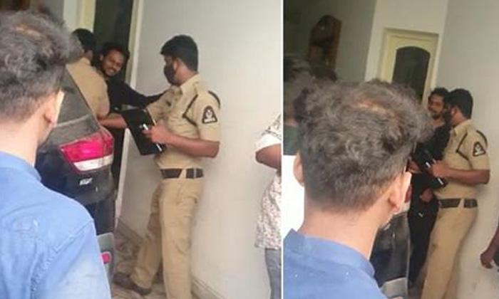 Shanmukh Jaswanth Detained For Rash Driving-మద్యం మత్తులో పోలీస్ స్టేషన్లో రచ్చ చేసిన షణ్ముక్..-General-Telugu-Telugu Tollywood Photo Image-TeluguStop.com