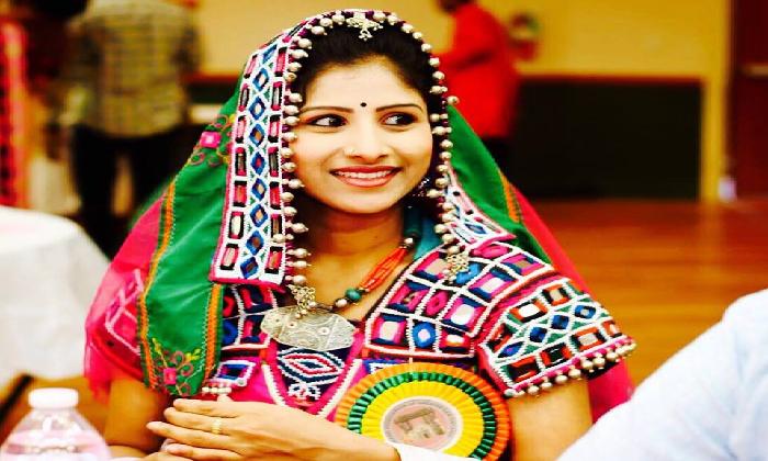Singer Mangli -Telugu Tollywood Movie Singer Profile & Biography