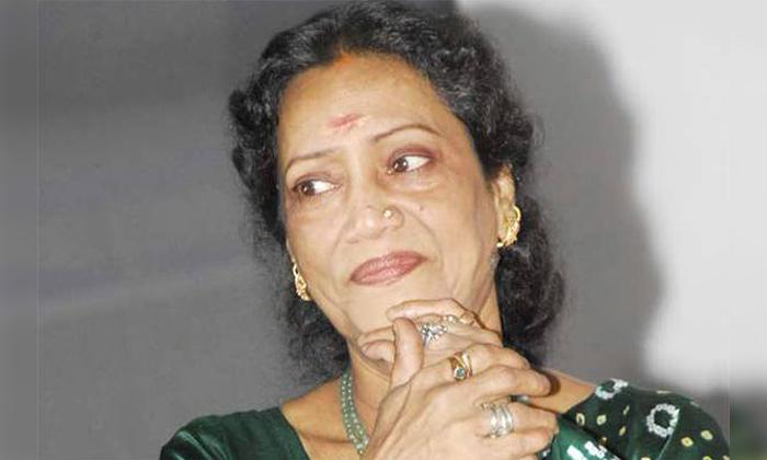 Telugu Veteran Actress Rama Prabha Is Demanding 10 Lakh Rupees For Interview-10 లక్షలు ఇస్తే ఇంటర్వ్యూ ఇస్తానంటున్న సీనియర్ నటి…-Latest News - Telugu-Telugu Tollywood Photo Image-TeluguStop.com
