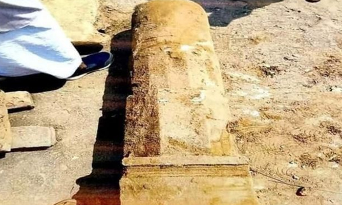 Idols And Things Unearthed During Ramalayam Excavations At Ayodhya Ramalaya-TeluguStop.com