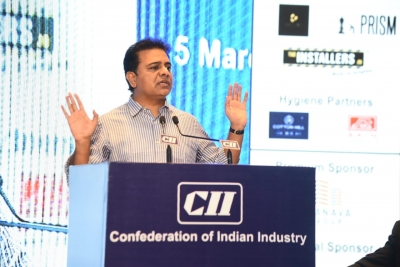 Centre Doing Injustice To Telangana, Alleges Ktr-TeluguStop.com