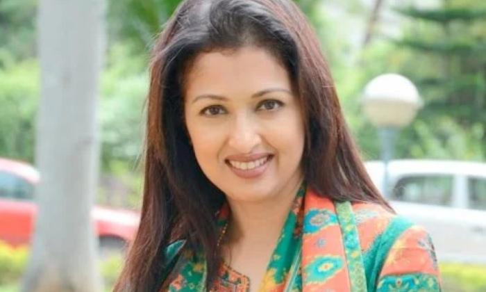 Tollywood Actress Gauthami Real Life Struggles-TeluguStop.com