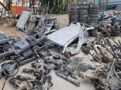 How A Farmhouse In Delhi Turned 'graveyard' For Stolen Cars-TeluguStop.com