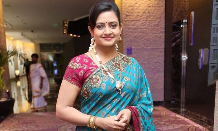Telugu Veteran Heroine Indraja About Her Movie Offers In Film Industry-నేనెవరినీ అవకాశాలు ఇవ్వమని అడగను…అందుకే…-Latest News - Telugu-Telugu Tollywood Photo Image-TeluguStop.com