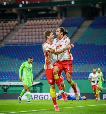 Leipzig Reach German Cup Semis, Beat Wolfsburg 2-0-TeluguStop.com
