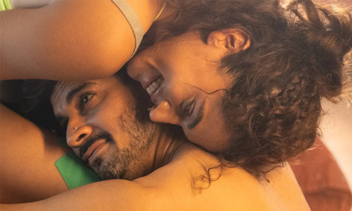 Looop Lapeta Hero Tahir Raj Bhasin About Romance With Taapsee Paanu-అలాంటి సీన్స్ లో రెచ్చిపోయిన తాప్సీ.. నెట్టింట్లో వైరల్-Latest News - Telugu-Telugu Tollywood Photo Image-TeluguStop.com