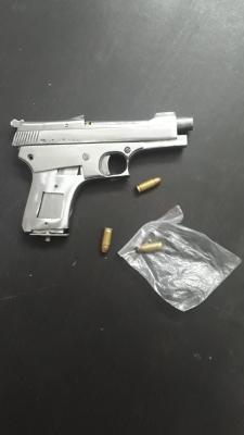 Man Shoots Self To Implicate Neighbours-TeluguStop.com