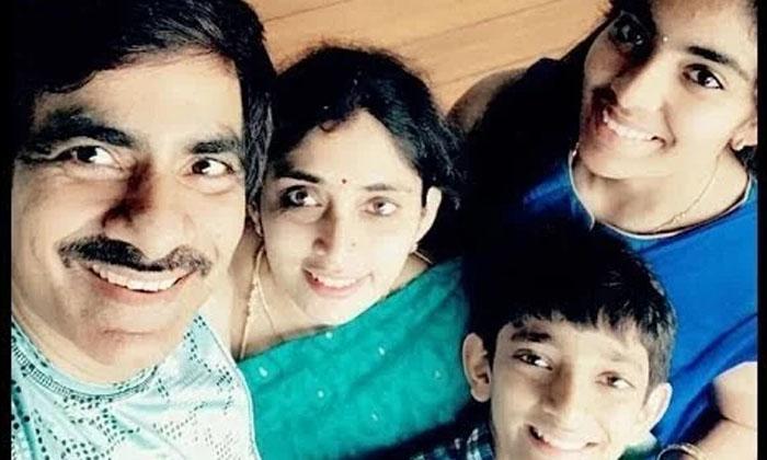 Tollywood Hero Ravi Teja Reveals About His Wife-అందుకే నా భార్యను ఎవరికి చూపించను: రవి తేజ-Latest News - Telugu-Telugu Tollywood Photo Image-TeluguStop.com