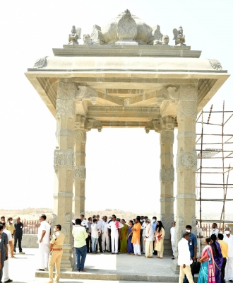 Telangana's Yadadri Temple To Re-open In May After Renovation-Latest News English-Telugu Tollywood Photo Image-TeluguStop.com