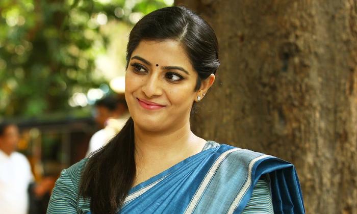 Gossips On Ntr 30 Movie-ఎన్టీఆర్ 30లో లేడీ పొలిటీషియన్.. ఎవరంటే-Latest News - Telugu-Telugu Tollywood Photo Image-TeluguStop.com