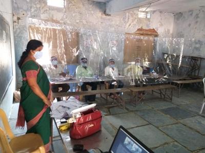 71% Polling In Telangana's Municipal Polls-TeluguStop.com