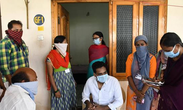Good News For Ap Volunteers-వాలంటీర్లకు గుడ్ న్యూస్ చెప్పిన ఏపీ సీయం.. రూ.10 వేల నుంచి రూ.30 వేల వరకు నగదు బహుమతి.. -Breaking/Featured News Slide-Telugu Tollywood Photo Image-TeluguStop.com