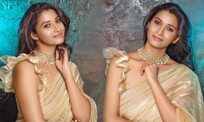 Actress Priya Bhavani Shankar Trendy Clicks-telugu Actress Hot Photos Actress Priya Bhavani Shankar Trendy Clicks - Telu High Resolution Photo