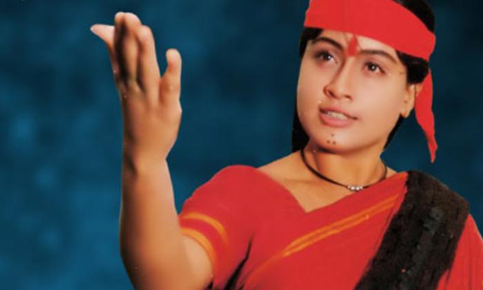 Telugu Actress Vijayashanthi, Actress Vijayashanthi Crossed Star Heroes Two Times, Osey Ramulamma, Vijayashanthi, Vijayashanthi Film Career, Vijayashanthi Films-Telugu Stop Exclusive Top Stories