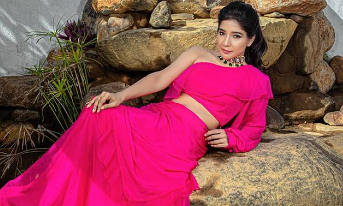 Bollywood Actress Sakshi Agarwal Alluring Photos - Telugu Sakshi Agarwal Father First Marriage Gallery Husband Images High Resolution Photo