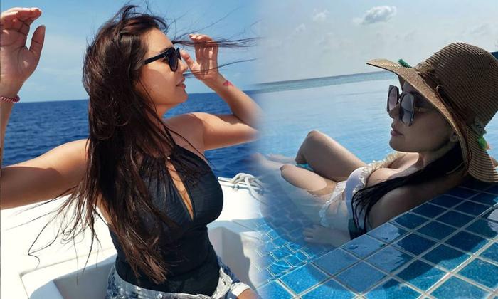 Bollywood Beauty Minissha Lamba Captivating Clicks-telugu Actress Hot Photos Bollywood Beauty Minissha Lamba Captivating High Resolution Photo
