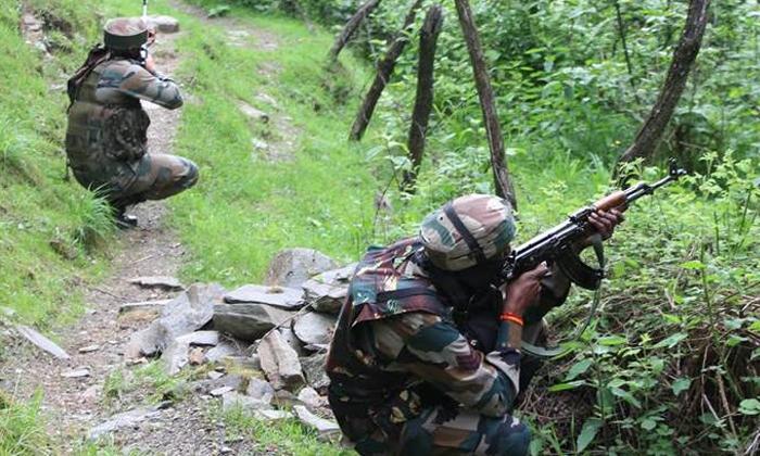 Encounter In Jammu Kashmir-జమ్ముకాశ్మీర్లో ఎన్కౌంటర్.. -Breaking/Featured News Slide-Telugu Tollywood Photo Image-TeluguStop.com