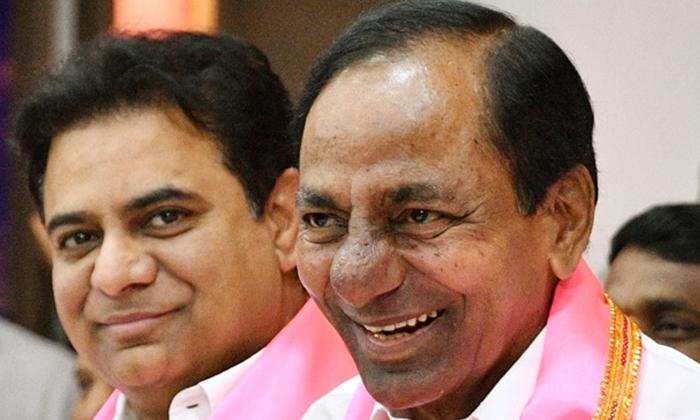 Vijayshanthi Serious Comments On Kcr-కేసిఆర్ పై సీరియస్ కామెంట్లు చేసిన విజయశాంతి..-Political-Telugu Tollywood Photo Image-TeluguStop.com