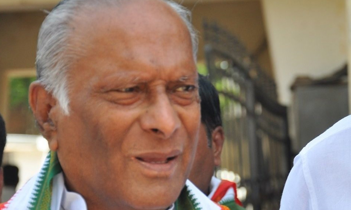 Former Minister Senior Congress Leader Who Died With Corona-TeluguStop.com