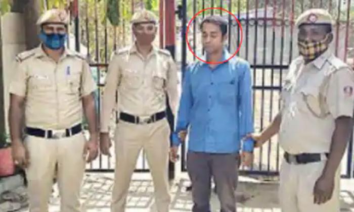 Delhi Man Kidnaps Boy Demands 40 Lakhs-లవర్ కు ఖర్చు పెట్టేందుకు డబ్బులు లేక ఓ వ్యక్తి ఏం చేసాడంటే-General-Telugu-Telugu Tollywood Photo Image-TeluguStop.com