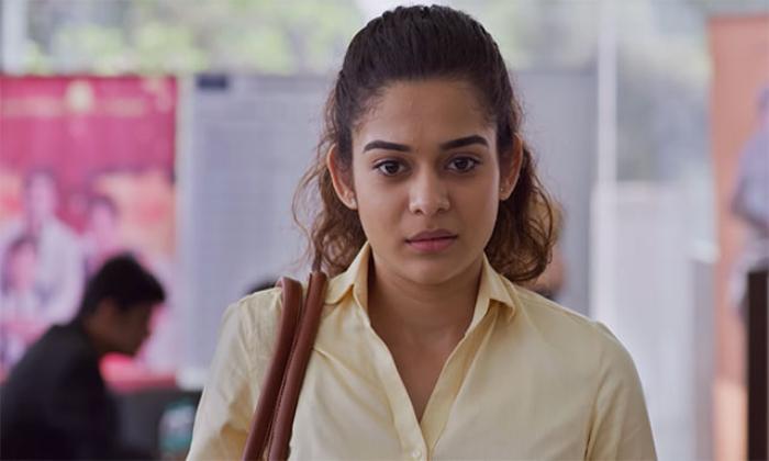 Netflix Hot Beauty Mithila Palkar Tollywood Entry-విశ్వక్ సేన్ కి జోడీగా టాలీవుడ్ ఎంట్రీ ఇస్తున్న బాలీవుడ్ బ్యూటీ-Latest News - Telugu-Telugu Tollywood Photo Image-TeluguStop.com