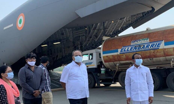 Indian Air Force Becomes Crucial In Corona Treatment-కరోనా చికిత్స విషయంలో కీలకంగా మారిన ఇండియన్ ఎయిర్ ఫోర్స్..-Political-Telugu Tollywood Photo Image-TeluguStop.com