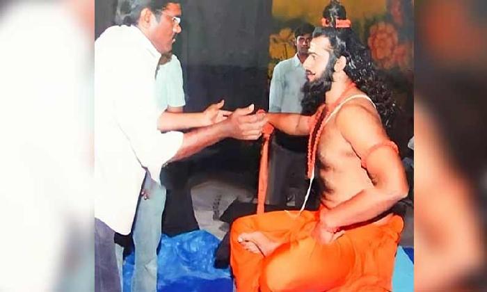 Prabhas Latest And Rare Pic Is Going Viral… Take A Look -Latest News - Telugu-Telugu Tollywood Photo Image-TeluguStop.com