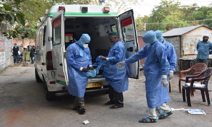 Self-lockdown In A Village In Karimnagar District -Latest News English-Telugu Tollywood Photo Image-TeluguStop.com