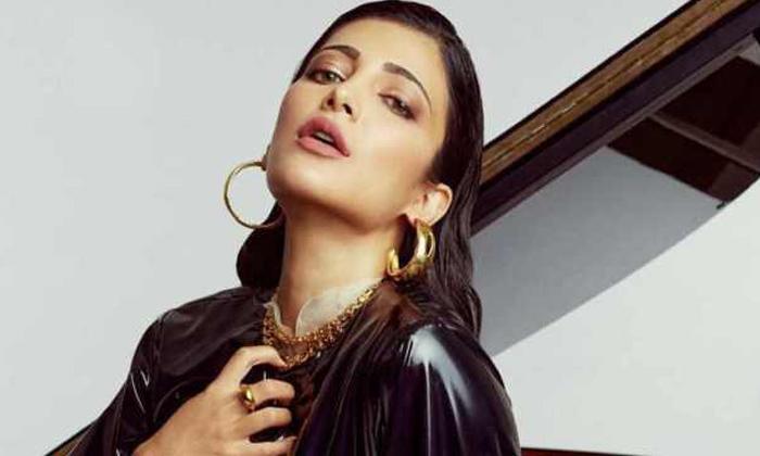 Shruti Haasan's Role Revealed In Salaar'-Latest News English-Telugu Tollywood Photo Image-TeluguStop.com