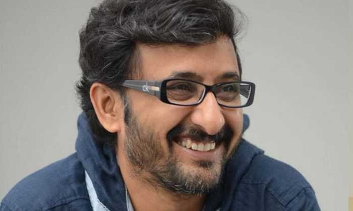 Telugu Director Teja About Casting Couch In Film Industry-నేనెప్పుడూ హీరోయిన్స్ ని నా బెడ్ రూమ్ కి రమ్మనలేదు… అందుకే…-Latest News - Telugu-Telugu Tollywood Photo Image-TeluguStop.com
