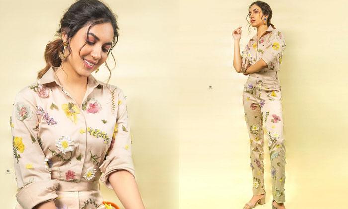 Tollywood actress Ritu Varma Glamorous stills-రీతూ వర్మ వైరల్ ఫొటోస్