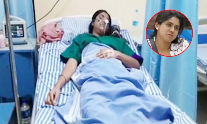 Bigg Boss Contestant Chaitra Kotturu Commits Suicide Attempt-ఆత్మహత్యాయత్నం చేసిన బిగ్ బాస్ కంటెస్టెంట్.. -Breaking/Featured News Slide-Telugu Tollywood Photo Image-TeluguStop.com